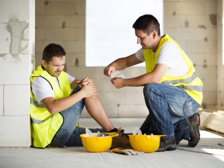 Wypadek przy pracy – ZUS, KRUS, OC