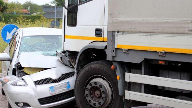 Odszkodowanie za szkodę na pojeździe od kierowcy nieubezpieczonego bądź bez uprawnień
